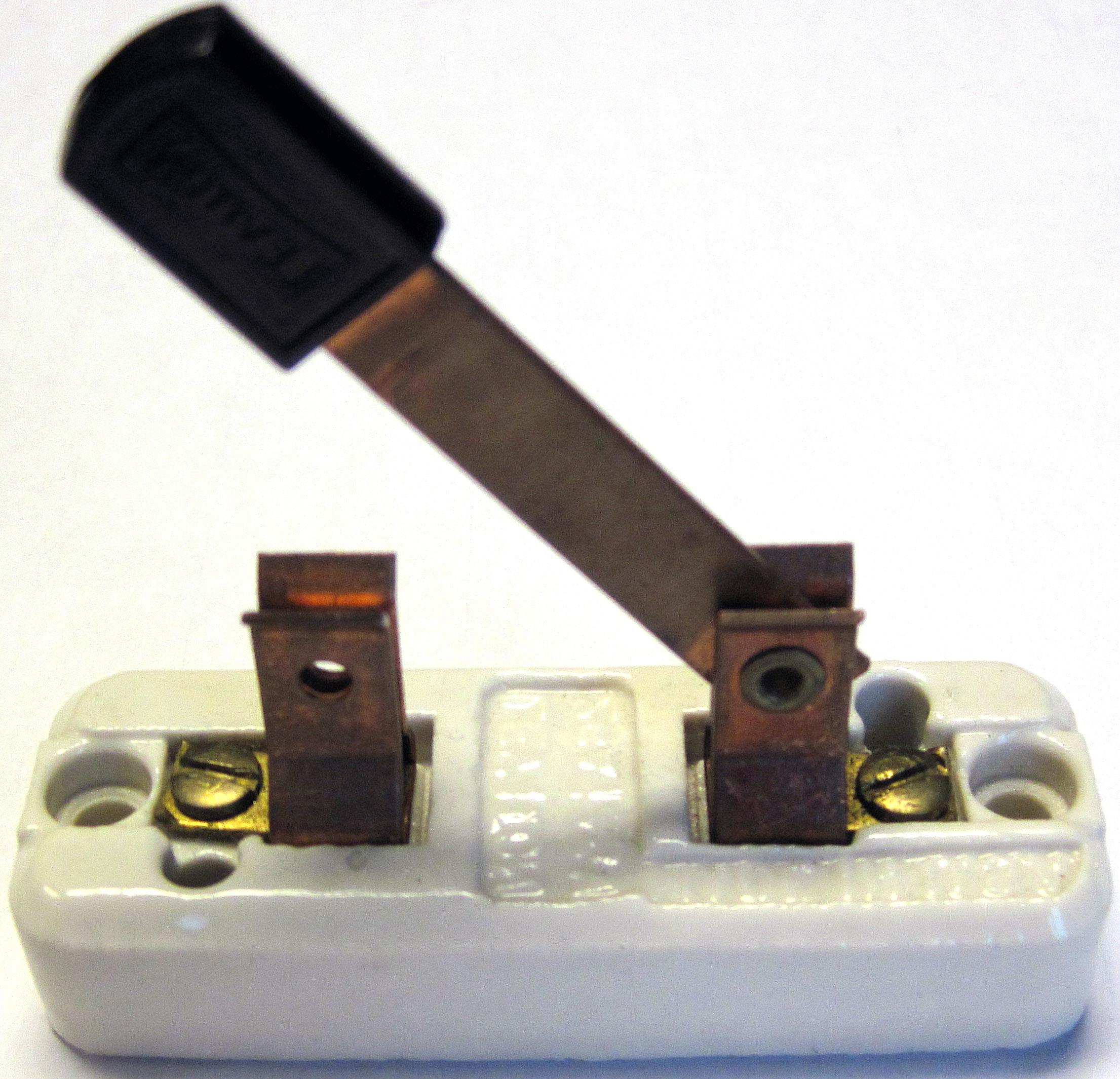 ای از کلید اهرمی الیکا الکتریک 1