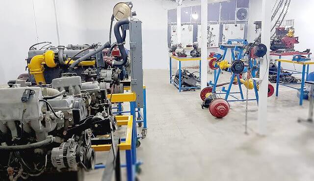 کارگاه کلاس آموزش مکانیک خودرو سواری