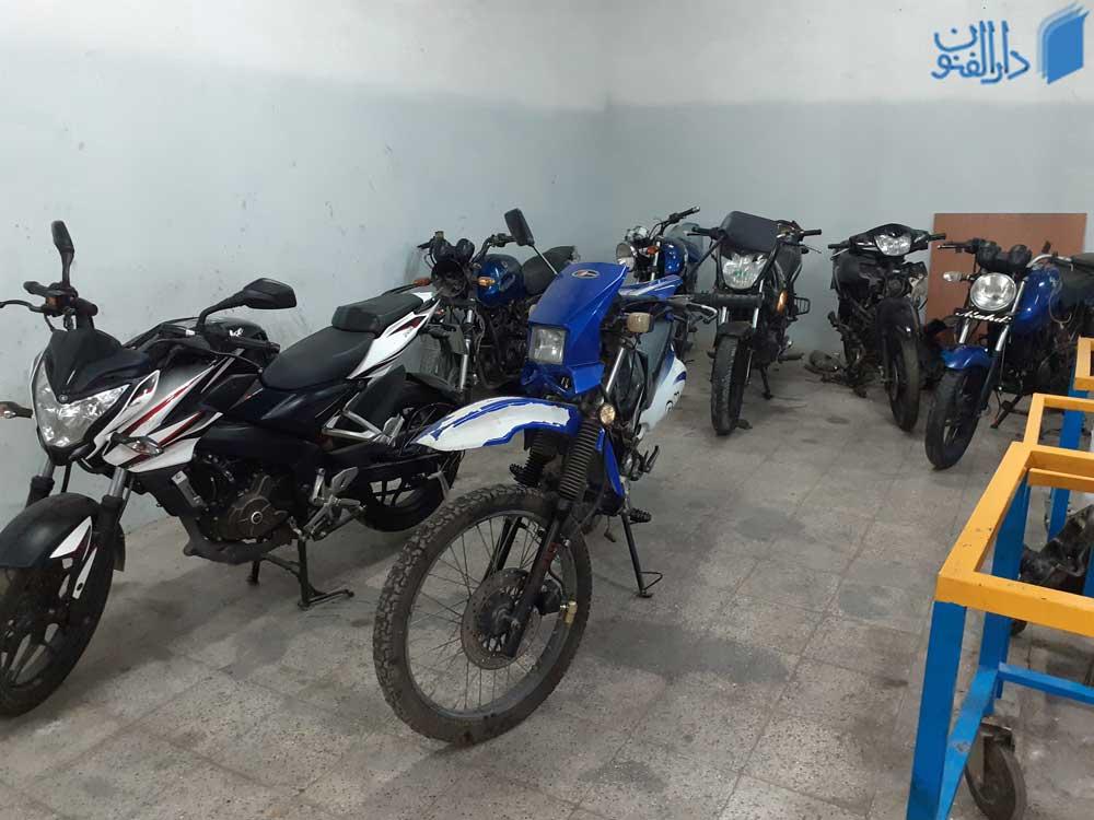 7 عدد از موتور سیکلت هایی که در این دوره برای آموزش تعمیرات استفاده می شوند