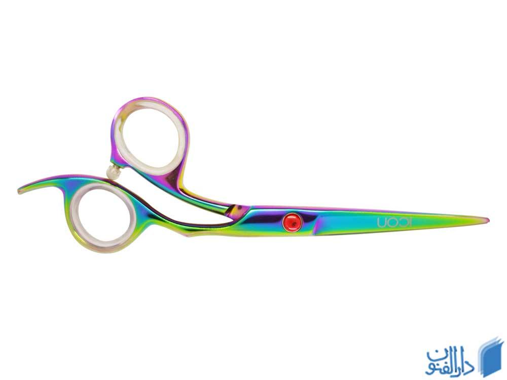 قیچی یکی از دیگر لوازمی است که برای افتتاح آرایشگاه مردانه به ان احتیاج خواهید داشت