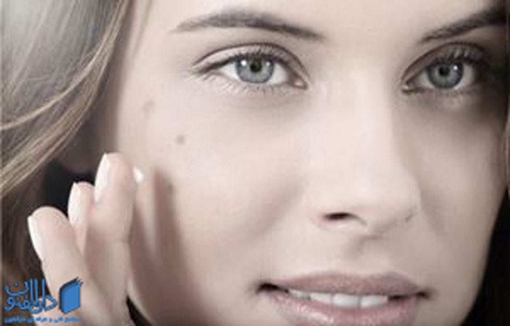 رنگ پوست و جنس آن با هم در ارتباط هستند.